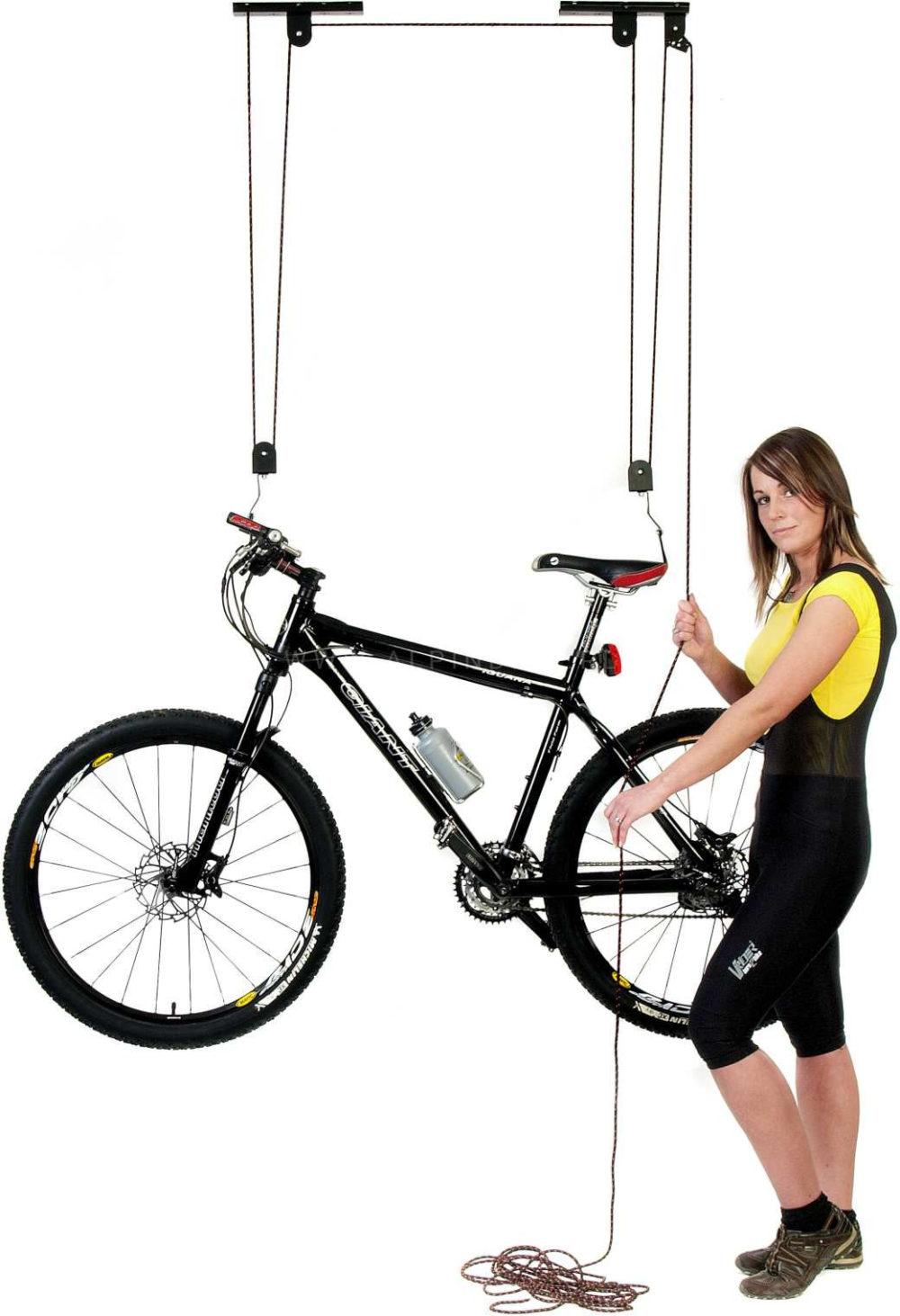 akcesoria do roweru dostępne w sklepie rowerowym